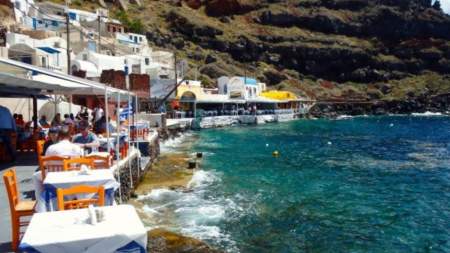 Why Santorini is a Personal Playground for Creative Travelers